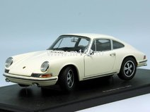 Porsche 911S 1967 (lightivory)