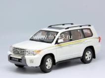Toyota Land Cruiser 200 2012 (White)