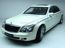 Maybach 57S 2005 (white)